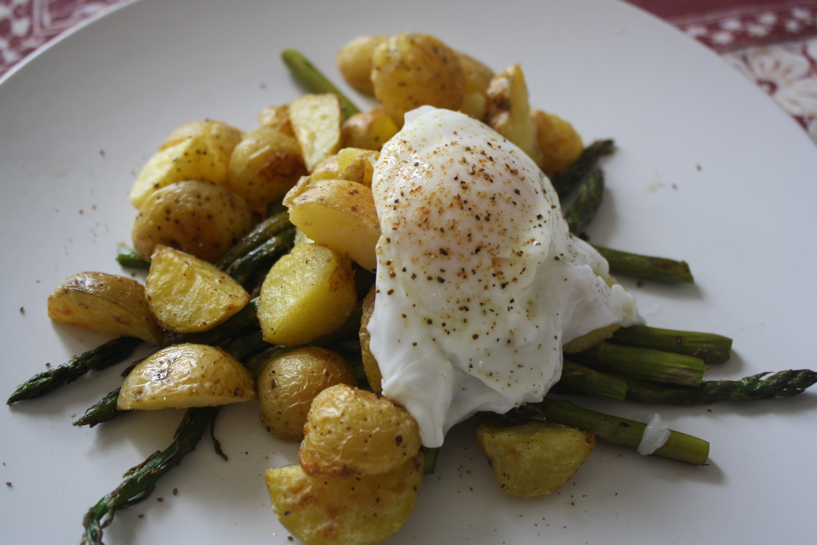 Roasted Potatoes And Asparagus With Poached Eggs | The Carnivore ...